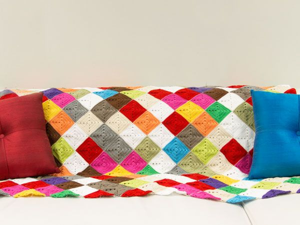 How to Crochet a Lap Rug in Kaleidosopic Colour - Tuts+ Crafts & DIY Tutorial