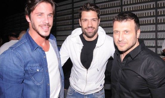 Nikos Oikonomopoulos , Konstantinos Argiros & Giannis PLoutarxos - Greek Singers