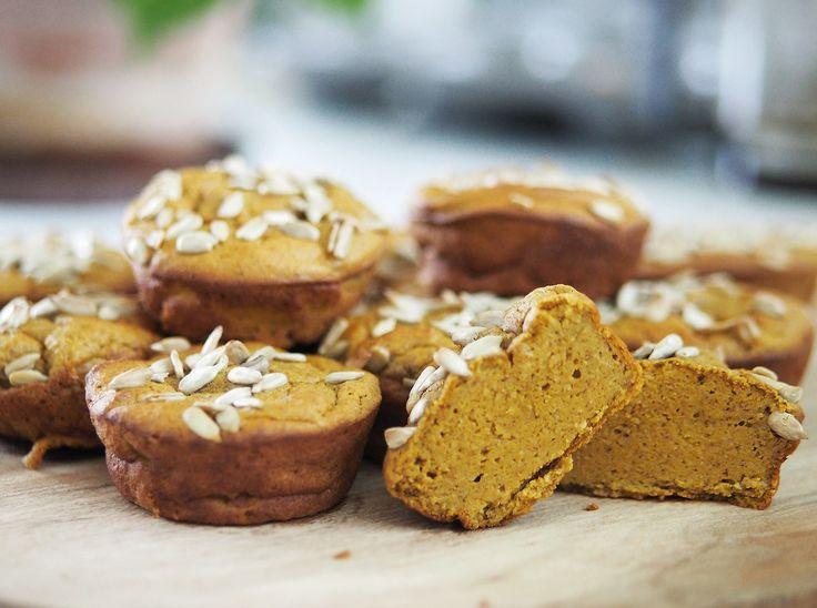 Frukost-tips! Glutenfria frukostmuffins med morot. Supergoda att äta med nötsmör, mosad avokado eller smör och ost. Mjölkfria!