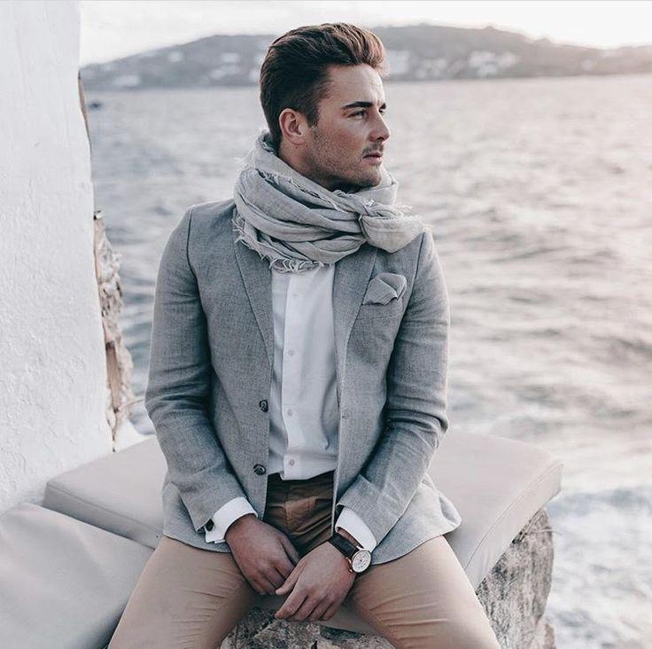 Balmuir Avignon wool scarf.