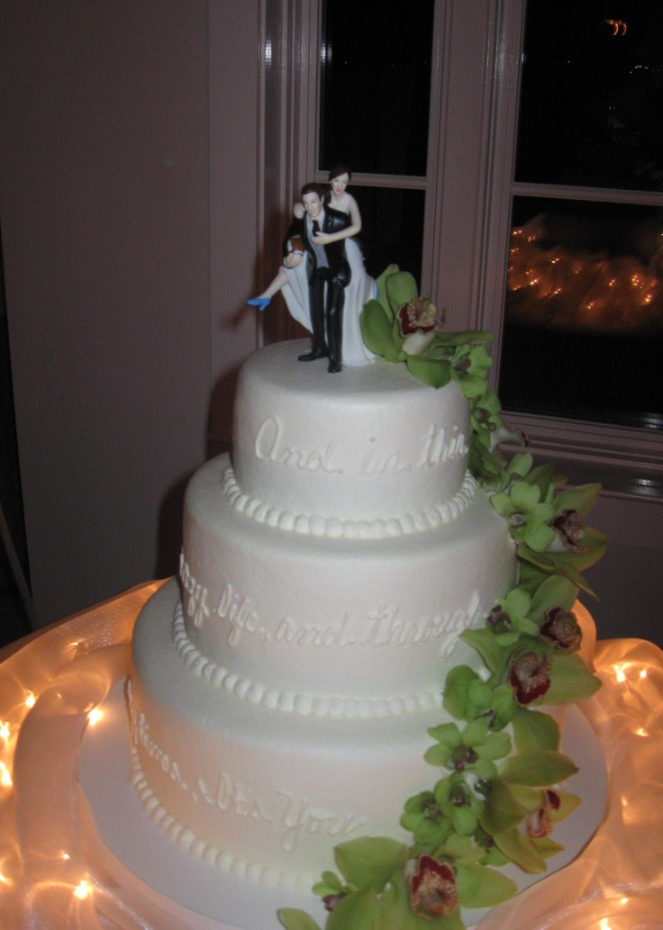 Our Disc Jockey Service provided the entertainment for an amazing wedding at Chesapeake Bay Beach Club in Stevensville, MD when we saw this beautiful cake. To get more cake ideas you can visit our website at www.SteveMoody.com