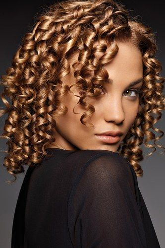 17 Best images about cheveux frisés on Pinterest | Brown wavy hair ...