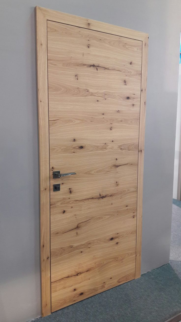 Old cracked oak veneered PRIMERA flush door is new in MIADOR range