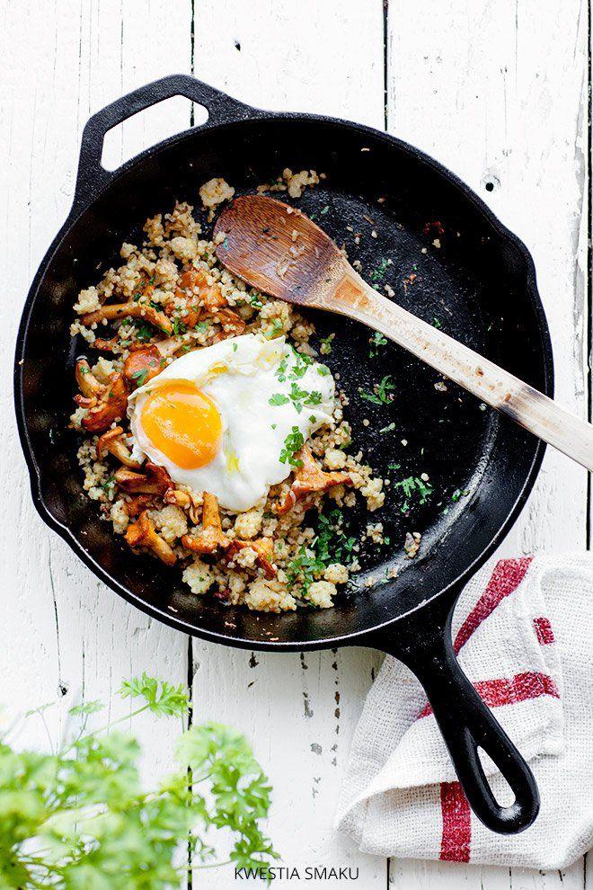 Kasza jaglana z kurkami i jajkiem sadzonym