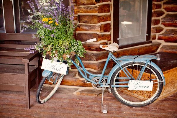 Vintage Bicycle Wedding Prop { Vintage Inspired Ranch Wedding in Wyoming / Alissa Ferullo Photography / WoodsyWeddings.com }: