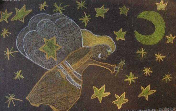 Engelen met wit, geel,goud en  zilver potlood op zwart papier