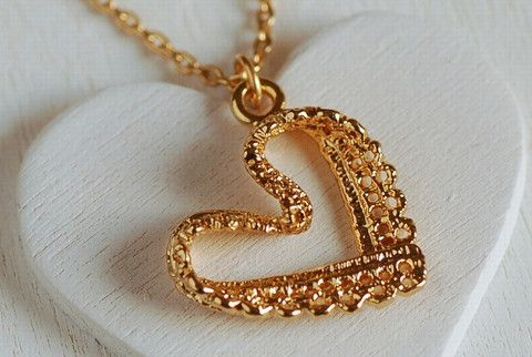 Gold lace heart necklace