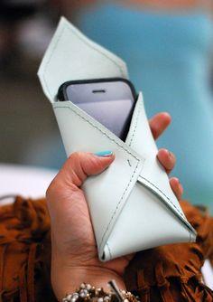 DIY: leather envelope phone case