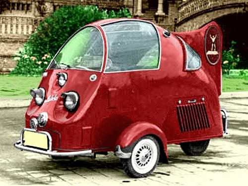 Gaitan Auto-Tri, 1953. Manufactured by Gaitán Constructions s.l, (Spain) the Gaitán Auto-Tri was powered by a 125cc engine providing power to the two front wheels. The vehicle had an aluminium body and various versions of the vehicle were made incl