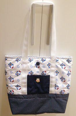 A bolsa com estampa de coruja é fácil de ser confeccionada e consigo carregar várias coisas, inclusive meu notebook quando preciso. Agora se a mamãe quiser também tem espaço para carregar as coisas…