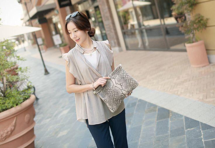 Republic of Korea reigning Women's Clothing Store [CANMART]  #koreafashionshop #fashion_pinter #pinterclothes #pintershop #Fashion_women #goodquality #goodfabric #korea #dailylook #dailyfashion #CANMART #daily_blouse #basic_blouse #stylish_blouse #popolar_blouse #korea_blouse #fashionable_blouse #women_blouse #summer_blouse #ブラウス  Sunny wings blouse / Size : FREE / Price : 34.40 USD