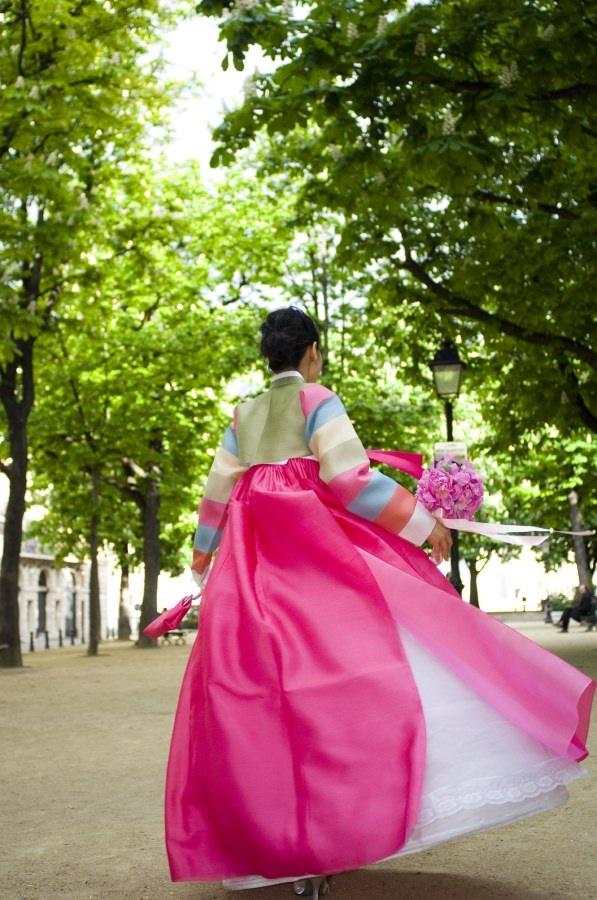 한복 Hanbok / Pastel jeogori and pink chima / Traditional Korean dress