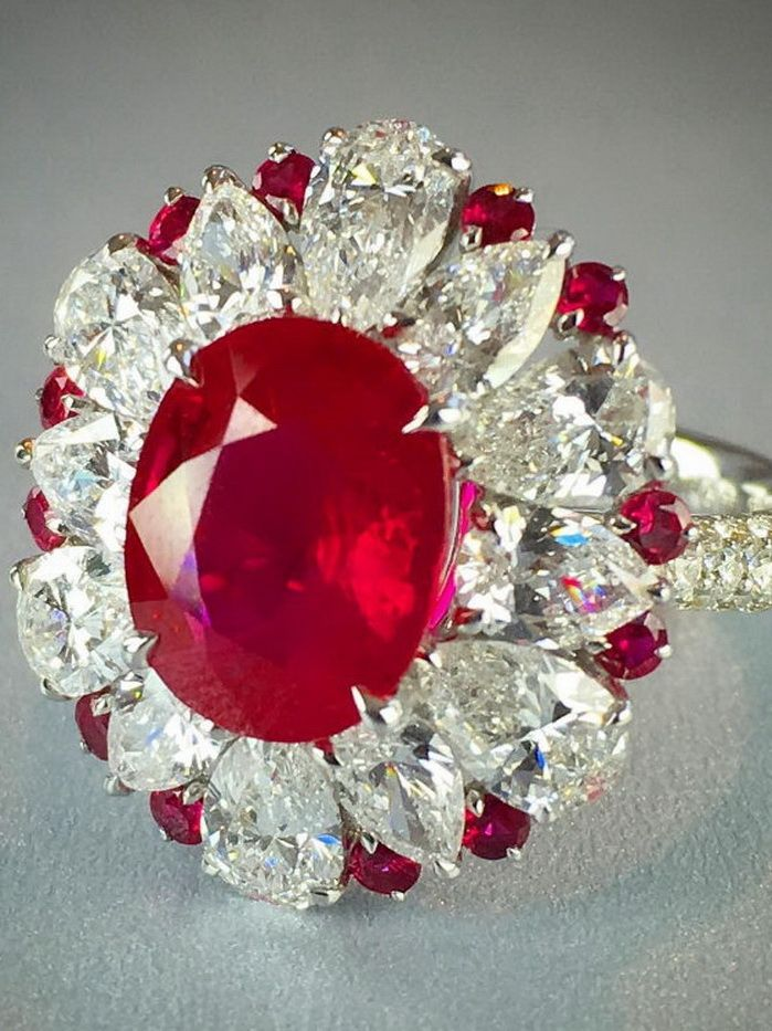 Like a glowing coal: 3.08-carat ruby and diamond ring by @realgems.nyc one of my Spectrum favorites because it's timeless and innovative at the same time. #ruby