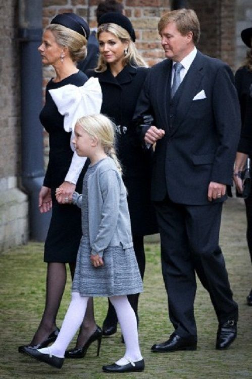 Dutch Princess Mabel (L-R), Countess Luana, Queen Maxima and King Willem-Alexander arrive at the Old Church in Delft, The Netherlands, for the memorial of Prince Friso, 02.11.13.