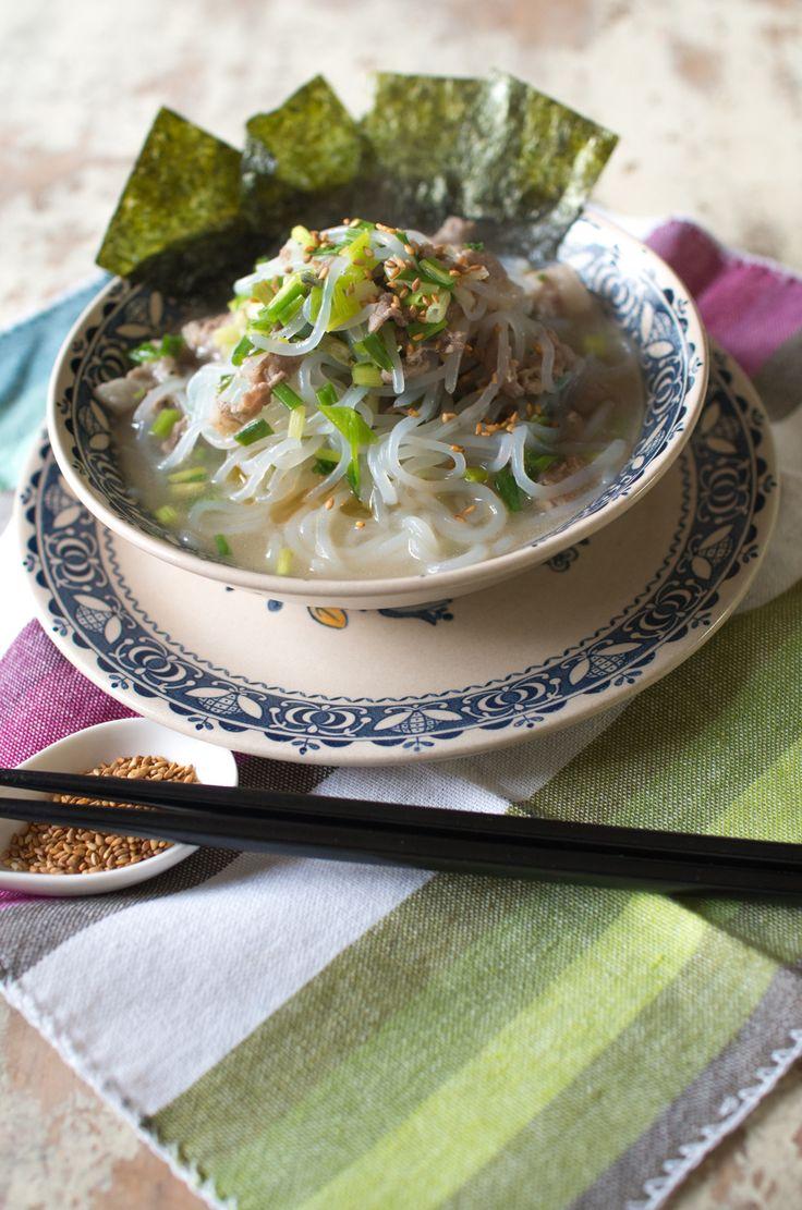 塩ラーメン風糸こんにゃく【低糖質】 by 菅田奈海 / ダイエットは物足りない・・・を感じさせない低糖質だけど満足できるラーメン風の味付けの白滝レシピ。受験生のお夜食にしたり、普通のごはんに添え物スープとしてもいただけます。 / Nadia