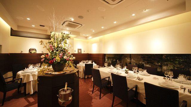 海鮮名菜 香宮 - 内観写真:ホール席もゆったりと。
