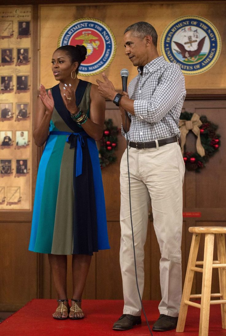 FLOTUS wore a simple, chic dress while addressing the Marine Corps Base Hawaii in Kailua with Barack Obama on Christmas Day.