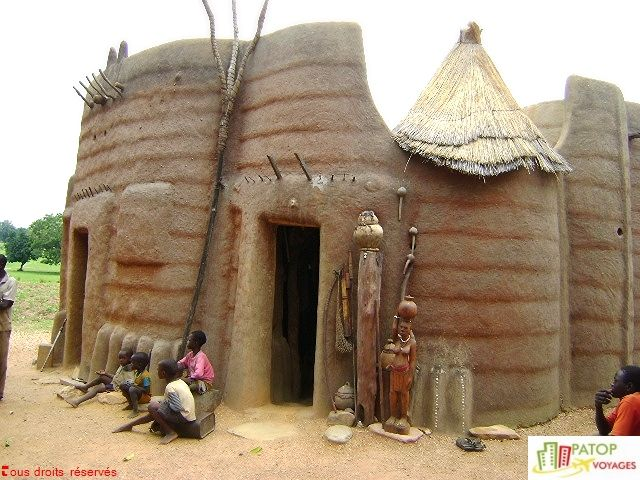 Habitat traditionnel tata somba au nord ouest du b nin for Architecture africaine