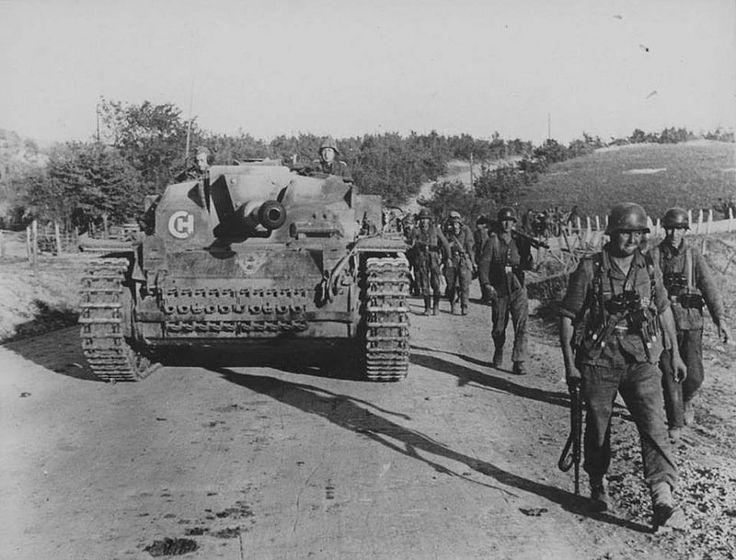 StuG III Ausf.F | Panzertruppen | Flickr
