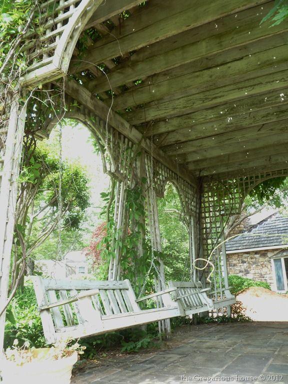Garden gazebo and swing love! #garden