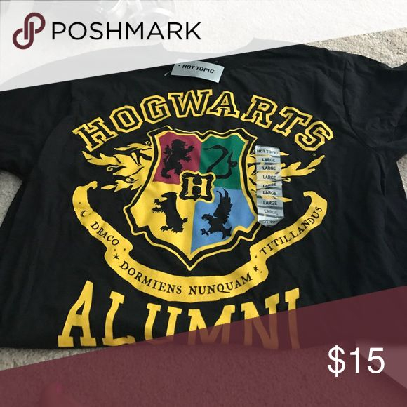 Hogwarts t shirt Black hogwarts t shirt. New with tags Hot Topic Tops Tees - Short Sleeve