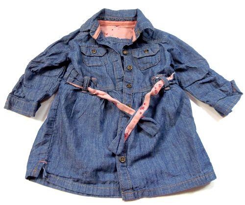 BRUMLA.CZ – Značkový dětský a dospělý second hand a outlet, použité oděvy pro děti a dospělé - Modré riflové propínací šatičky s límečkem a páskem zn. George
