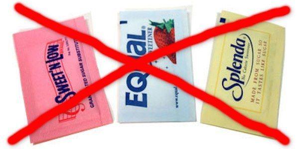 Saviez-vous que les édulcorants provoquent l'obésité Voici quelque édulcorant  synthèse populaire  leur code d'additif alimentaire pour   retrouver facilement dans la liste  ingrédient : acésulfame potassium (E950), aspartame (E951), saccharine (E954) et sucralose (E955).  +  spécifique  les édulcorants stimule  bactérie  nocive  qui augmente risque   diabète et  obésité.On en trouve dans les sodas, les yaourts allégés, les jus de fruit, le chewing-gum et   bonbons.