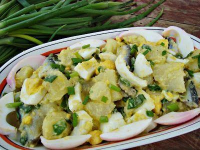 CAIETUL CU RETETE: Salata de oua cu cartofi si hamsii