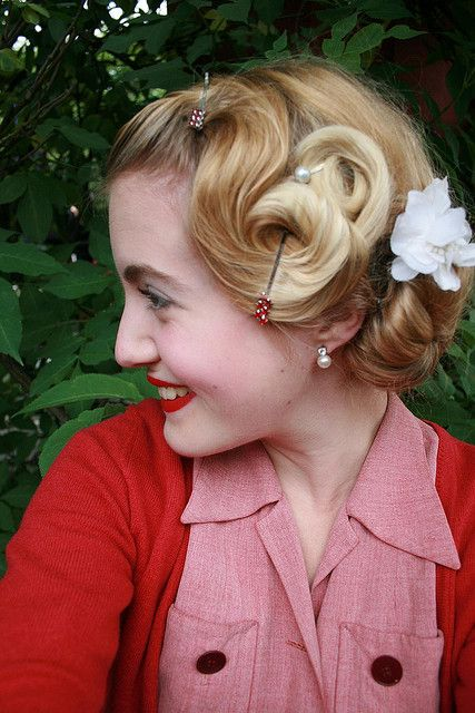 Lovely Retro Curls
