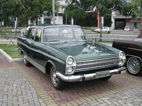 Encontro Capixaba de Veículos reúne admiradores de carros antigos, no ES (Foto: Reprodução/TV Gazeta)