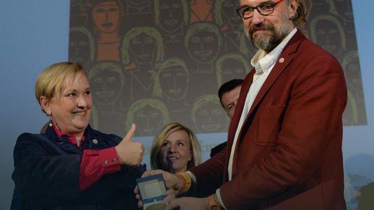 Europejska Nagroda Obywatelska została ustanowiona przez Parlament Europejski w 2008 r. dla uhonorowania Europejczyków za działalność na rzecz promowania wartości europejskich. W tym roku nagrodę przyznano pięćdziesięciu osobom i organizacjom w Unii Europejskiej. Dziś w Warszawie odbyło się uroczyste wręczenie nagrody dla KOD.