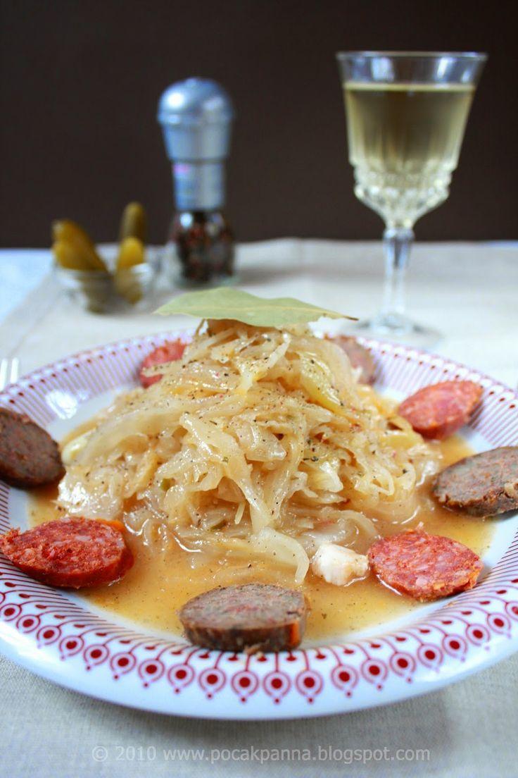 Lengyel szerelem újramelegítve: Savanyú káposzta főzelék füstölt sajttal, hurkával és kolbásszal (glutén-, laktóz-, és cukor mentes)   Pocak Panna