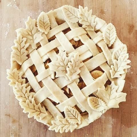 Proud of myself in this sunday morning! #sunday #sundaymood #sweet #sweety #pie #cooking #apple #applepie #leaf #like4follow #likeforlike #followforfollow #followback #picoftheday #pics #picart #l4l