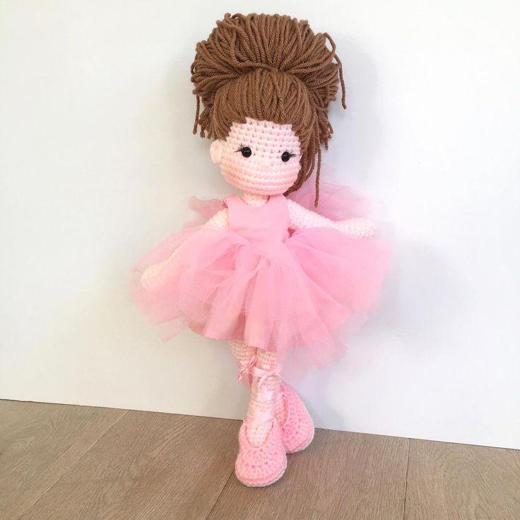 Прекрасная, драгоценная балерина на ее пути домой. #babyshower   #балерина  #амигуруми   #вязание  #кукла  #куклы  #crochetdoll  #балет  #пачка  #питомник   #customorder   #handmadewithlove