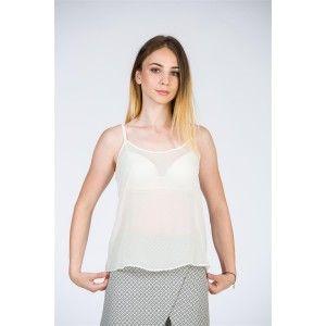 Maioul din voal alb este un must-have pentru orice garderobă de vară. Îl poți asorta cu o fustă sau o pereche de pantaloni cu talie…