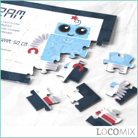 Laat jullie familie, vrienden en kennissen zelf de boodschap in elkaar puzzelen dat jullie kindje is geboren! Het leukste is dat jullie zelf de puzzel volledig kunnen ontwerpen! Hier zien jullie een stoere robot geboortekaart, maar er is veel meer mogelijk! Met meer dan 60 ontwerpen vinden jullie geheid wat jullie zoeken op LocoMix.nl! Plaats een eigen foto en eigen teksten op de kaart en deze is klaar om verstuurd te worden!