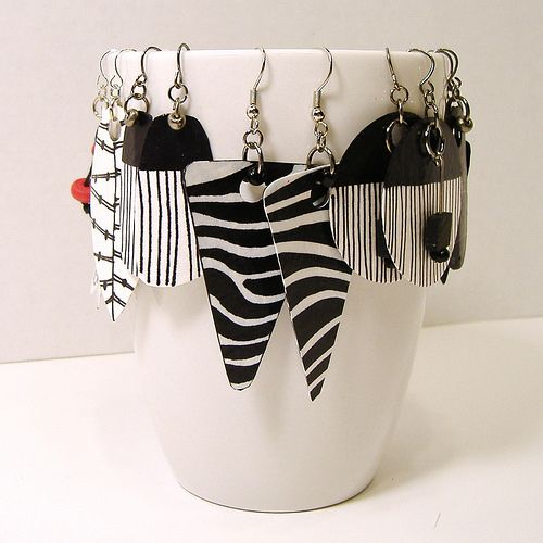 Black, White and Red Paper Earrings by Lee Owenby | Blogged:… | Flickr