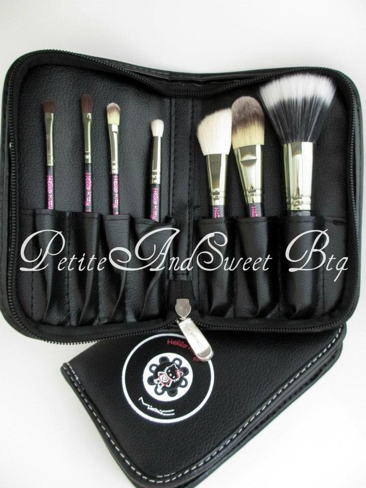REPLICA Hello Kitty MAC 7 pc Makeup Brush Set Pouch 1. MAC