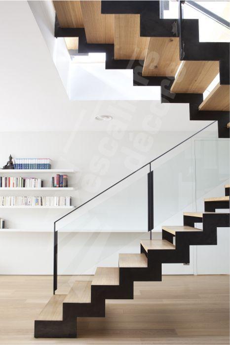 Du bois et de l'acier pour habiller l'escalier.