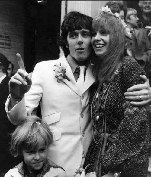 Celebrity Wedding Singers: Today 10-2-14 In 1970 Singer/songwriter Donovan Married
