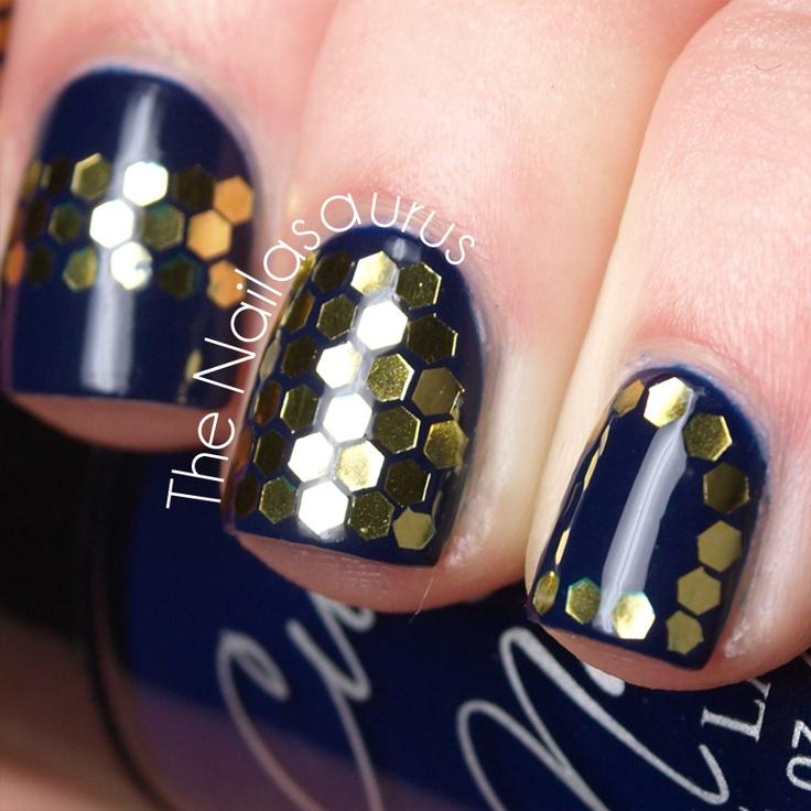 Honeycomb nails!: Nails Blog, Nails Art, Accent Nails, Honeycombs Mad, Nails Nails Nails, Haute Honeycombs, Glitter Honeycombs, Honeycombs Nails, Cultnail Jointhecult