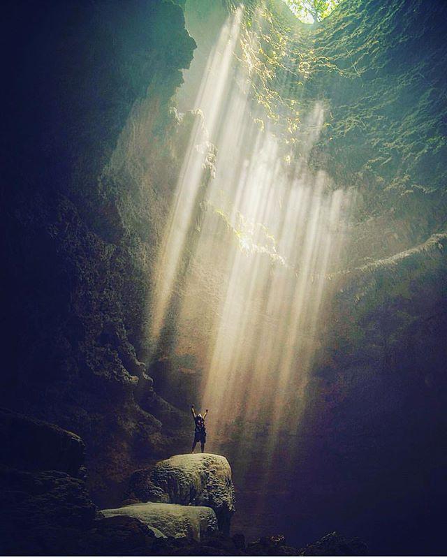 Jomblang Cave, Yogyakarta - Indonesia ✨✨ Picture by ✨✨@nala_rinaldo✨✨ Good night all