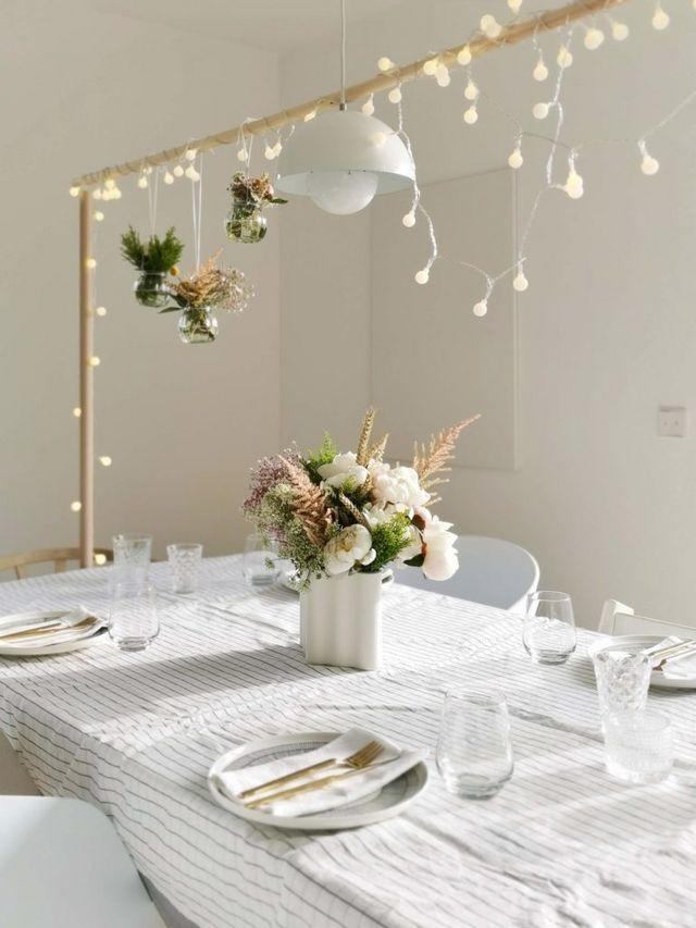 Diy Tafelklemme Als Genialer Tischdekorationshalter Fur Lichterketten Girlanden Deko Blumen Co Mammilade Tischdekoration Dekoration Dekor