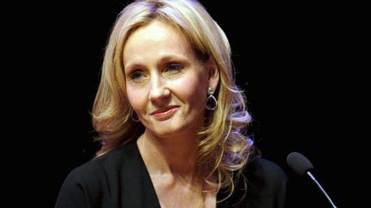 Τα εξωφρενικά ποσά των πωλήσεων του Χάρι Πότερ - Πώς η J.K. Rowling εξαργυρώνει την επιτυχία τηςΕκτός από τη δημοσίευση των επτά μυθιστορημάτων «Χάρι Πότερ» και τριών ακόμα βιβλίων, η Rowling έχει γράψει ένα αυτόνομο μυθιστόρημα, το «The Casual Vacancy» και τρία βιβλία με το ψευδώνυμο «Robert Galbaith», από τα οποία το πιο πρόσφατο αναμένεται να κυκλοφορήσει τον Οκτώβριο του 2015.