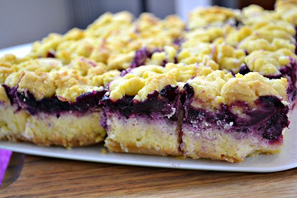 Shortbread, lemon and blueberry cheesecake bars