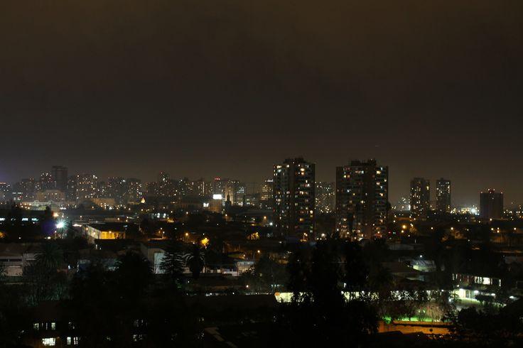 Santiago de noche. Foto de Ignacio Lavanderos Barker.