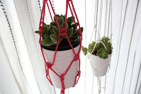 how to make your OWN rope potted plant hangers!..I have to start hanging mine because I am running out of window sills!