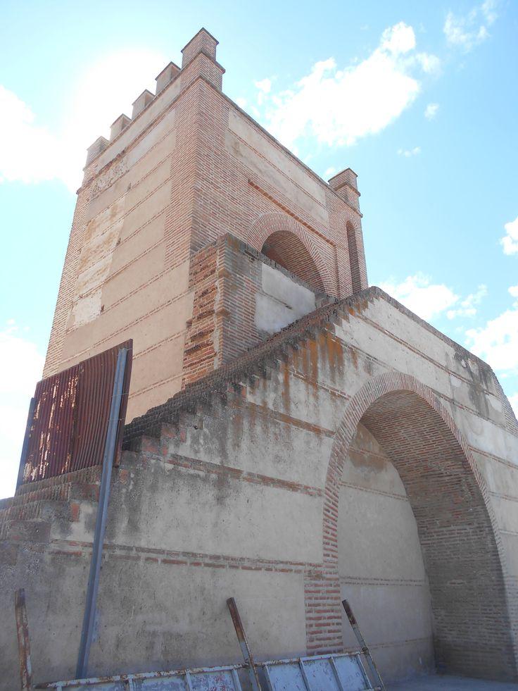 Escalera de acceso a adarve de la Puerta de Peñaranda.