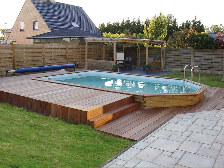 Les 25 meilleures id es concernant piscine semi enterree for Budget piscine bois