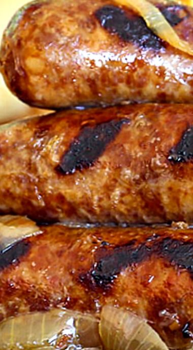 Best Ever Crockpot Beer Brats ❊